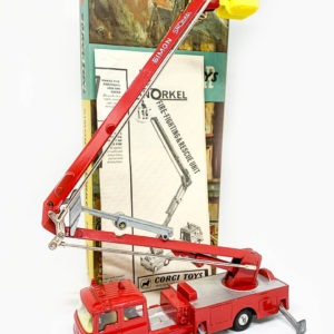 Corgi 1127 Bedford Simon Snorkel Fire Engine – red, silver platforms, yellow plastic basket and interior with figures, spun hubs – Near mint a lovely bright example, polystyrene base is excellent Plus, blue and yellow lift off lid with detail picture is Excellent plus with correct instruction/collectors club folded leaflet.